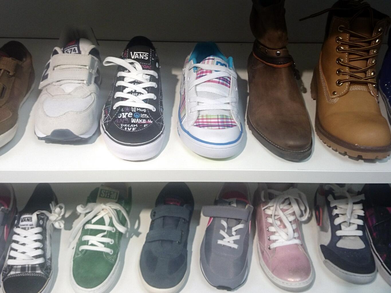 Schoenenwinkel Kinderschoenen.Robel Stopt Met Kinderschoenen De Westkrant