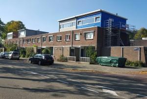 Bij deze woningen aan de Oostoever kan er nog een verdieping op. (foto: Martine de Vente)