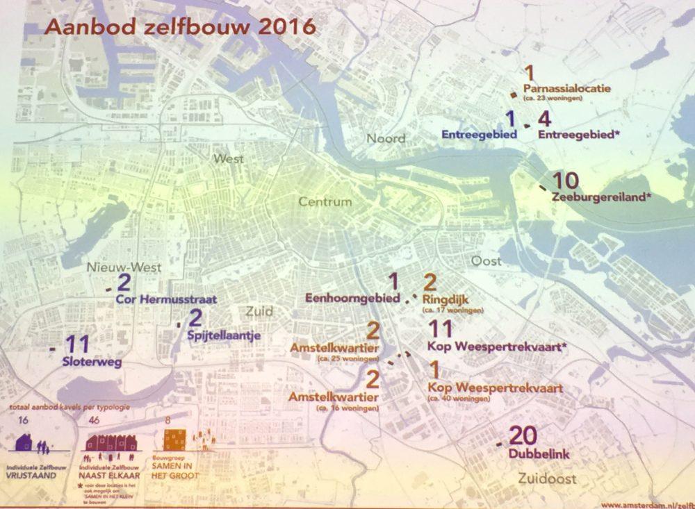 De kaart met nieuwe zelfbouwkavels.
