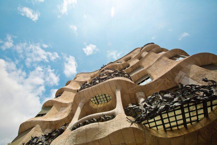 Gaudí en de Amsterdamse school in Het Schip